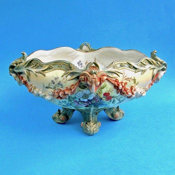 Item No. F93 – Royal Worcester bowl