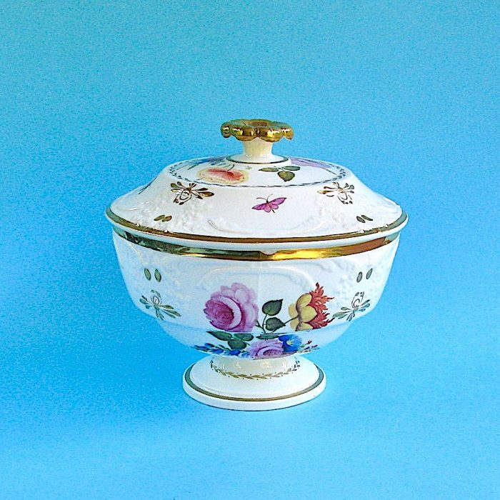 Item No. 1759 – English porcelain Tureen and Cover